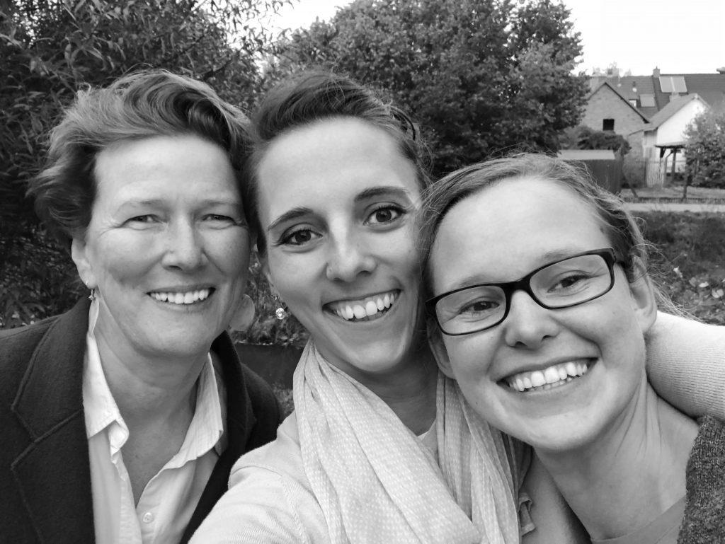 Die drei Autorinnen Christine Weidenweber, Jana Wischnewski-Kolbe, Anne Peter von My Green Home: Foto von Anne Peter auf wohnbuchbuero.de